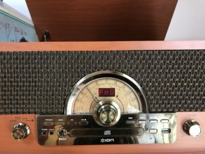 ION Audio レトロ調 ミュジックプレーヤー 7種再生